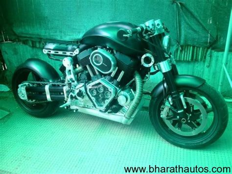 hellcat x132 dhoni ms dhoni gifts himself an x132 hellcat motorcycle