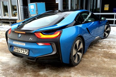 Bmw I8 Black And Blue by Bmw I8 In Protonic Blue Looks Great