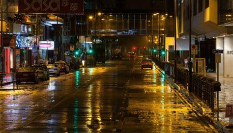 canton road hong kong late night  rain photorator