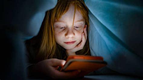 Cómo enseñar a los niños a usar las redes sociales