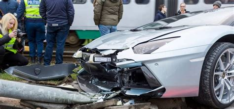lamborghini aventador roadster crashes  estonia gtspirit