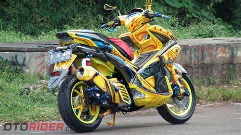 Modifikasi Yamaha Aerox 2017 by Modifikasi Yamaha Aerox 155 Vva 2017 Praktis Jadi Bumble Bee