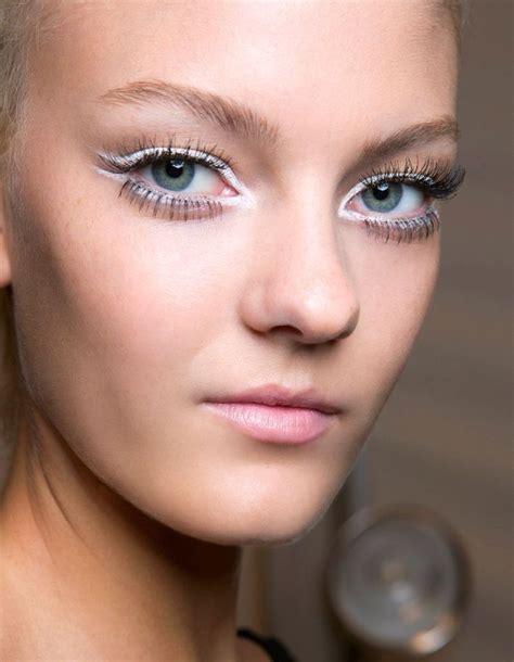 comment maquiller des yeux bleus maquillage des yeux bleus fonc 233 s comment maquiller des yeux bleus