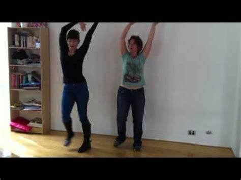 video  dancing queen flash mob step  step