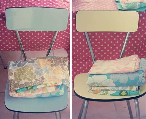 comment tapisser une chaise chaises en formica et tissus vintages poulette magique