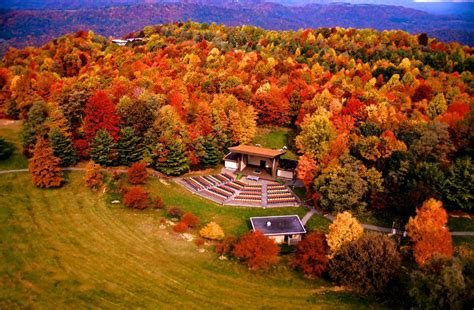 fall colors in virginia the best times and places to see fall foliage in west