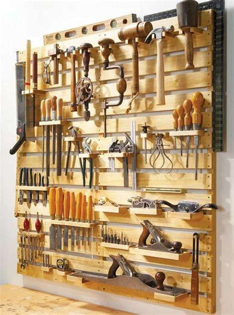 fabriquer des meubles en palettes de bois garage rangement outil atelier rangement outils