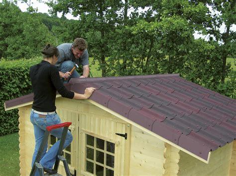 une toiture d exception pour votre abri de jardin leroy