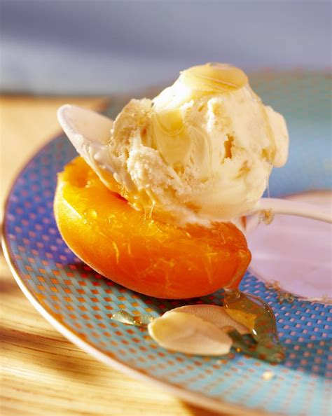 cuisine miel recette abricots au miel cuisine madame figaro