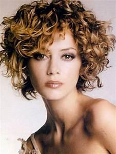 Coupe Courte Bouclée : coiffure courte bouclee ~ Farleysfitness.com Idées de Décoration