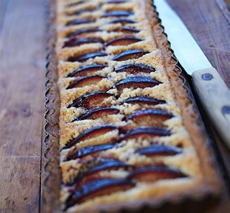 Plūmju tarte ar mandeļu krēmu   Desserts, Recipes, Dessert recipes