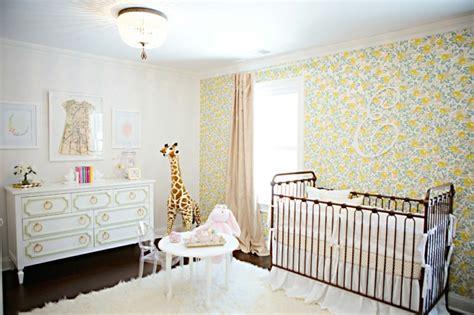 papier peint pour chambre bebe fille déco mur chambre bébé 50 idées charmantes