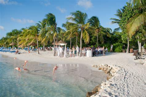 beachfront aruba destination wedding ceremony