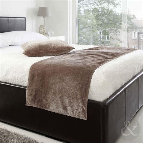"""Soft Luxury Velvet Bed Runner  19"""" X 78""""  Plain Bed"""