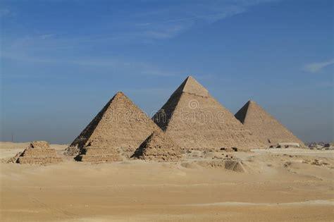 Le Piramidi E La Sfinge Dell'egitto Immagine Stock