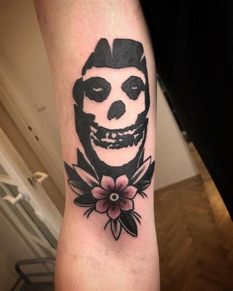 """Tom on Instagram: """"Die, die my darling🔥 #tattoo #oldschool ..."""