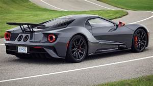 2019 Ford GT adds lightweight Carbon Series, gets $50,000 price bump