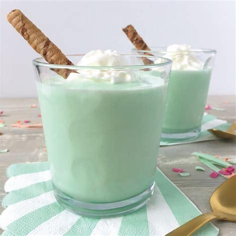 cool  creamy grasshopper ice cream cocktail fronie