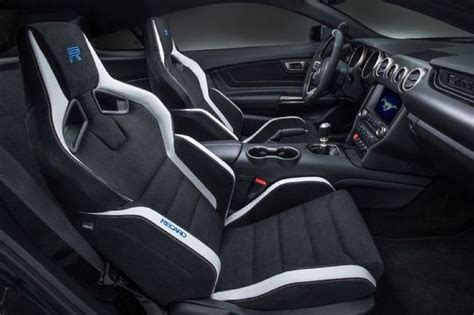 ford supercar interior 2017 ford gt supercar price top speed hp msrp mpg