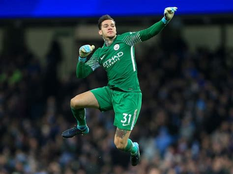 ederson manchester city  beat manchester united