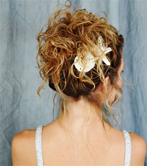 beach wedding hairstyles women fashion  lifestyles