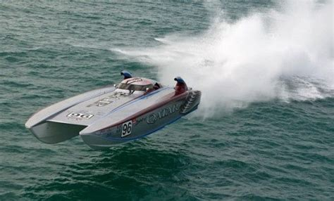 Speed Boat Vs Fishing Boat by This 50 Foot Mystic Powerboats Catamaran With 1 600