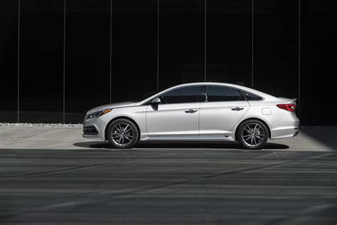 2015 Hyundai Sonata Recall by 2015 Hyundai Sonata Recalled For Seat Belt Flaw 140 000
