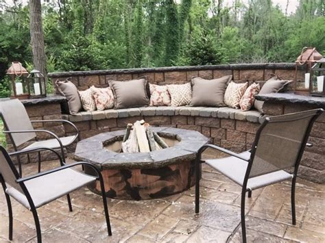 6 awesome fire pits for outdoor entertaining. Walkers Concrete LLC - Cincinnati Outdoor Fireplaces and Fire Pits