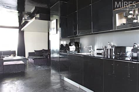 cuisine noir et inox noir blanc inox c0570 mires