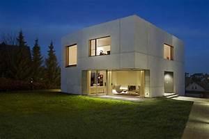 Maison moderne cubique prix chaioscom for Photo maison cube moderne