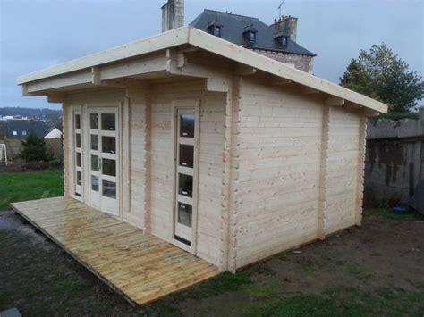 bureau jardin optez pour un bureau de jardin en bois stmb construction
