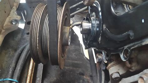 crankshaft harmonic balancer pulley removal