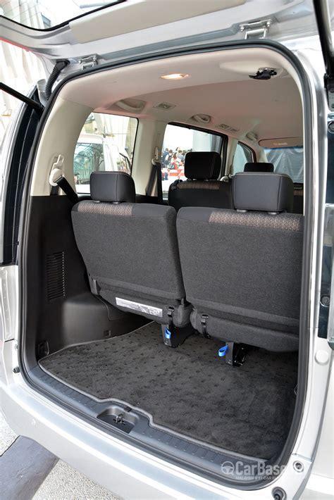 nissan serena  hybrid  facelift  interior image