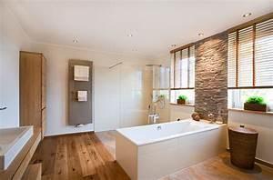 Bad Mit Holzboden : badezimmer sanieren eichenhaus schreinerei architekturb ro ~ Michelbontemps.com Haus und Dekorationen