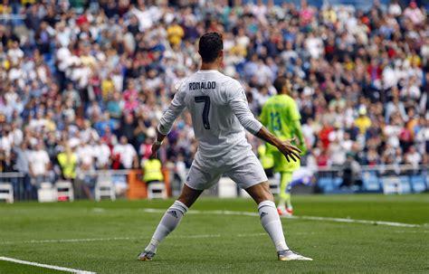 Real Madrid beats Las Palmas 3-1, stays top in Spain ...