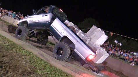 redneck alert dodge ram diesel pull truck bends