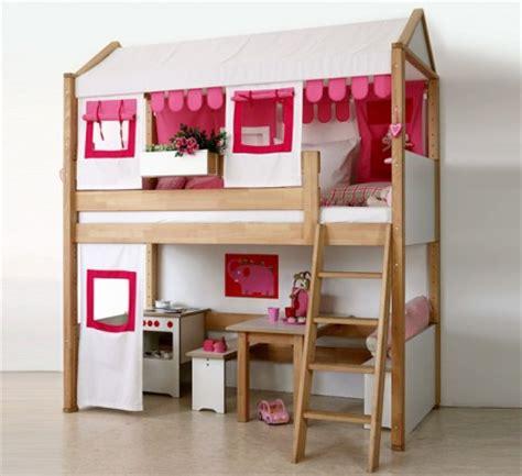 lit avec bureau pour fille lit pour chambre de fille lit original pour aménager une chambre de fille lit voiture lit