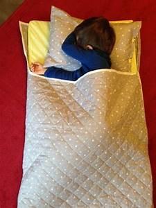 Les 25 meilleures idees concernant sacs de couchage pour for Tapis enfant avec coudre un canapé en cuir