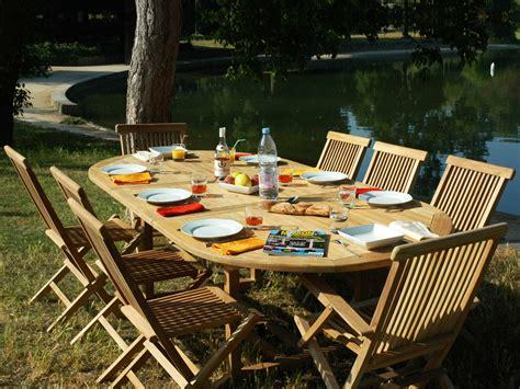 Salon de jardin u0026quot;Trinidadu0026quot; en teck 8 personnes - Table 180/240 x 120 x 75 cm + 6 chaises + 2 ...
