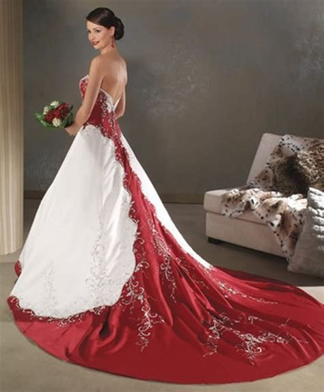 Red And White Wedding Dress Designs For Christmas Day