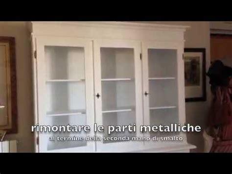 Cambiare Colore Ai Mobili Laccati by Come Restaurare Un Mobile Laccato Fai Da Te Mania