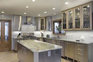 Beautiful and simple contemporary kitchen cabinets design for Kitchen cabinet trends 2018 combined with large metal wall art sculptures