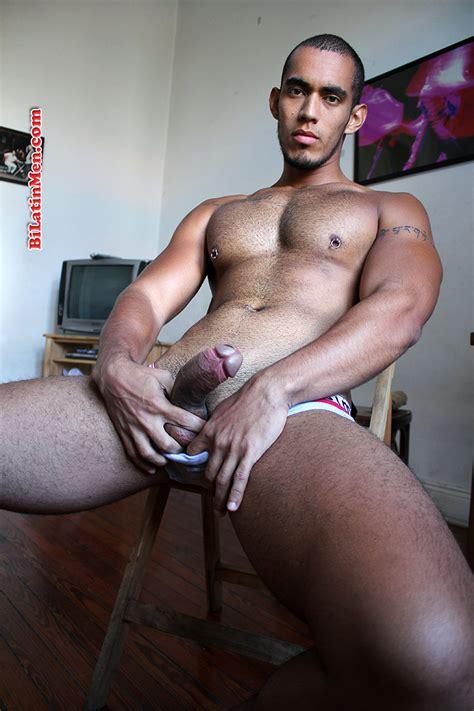 Cocky Latins - FREE naked latino men gay photos and videos blog