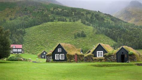maison des petites lucioles l islande pays des petites maisons sous les prairies