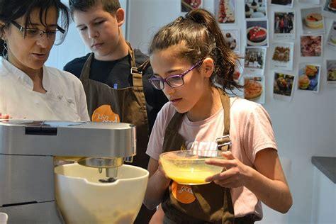 cours de cuisine cadeau offrir 2 cours de pâtisserie ou 2 cours de cuisine