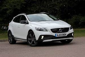 V40 Cross Country : volvo v40 cross country 2013 running costs parkers ~ Medecine-chirurgie-esthetiques.com Avis de Voitures