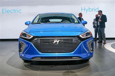 hyundai confirms electric suv      mile