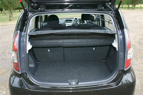 daihatsu terios trunk space daihatsu sirion hatchback review 2005 2010 parkers