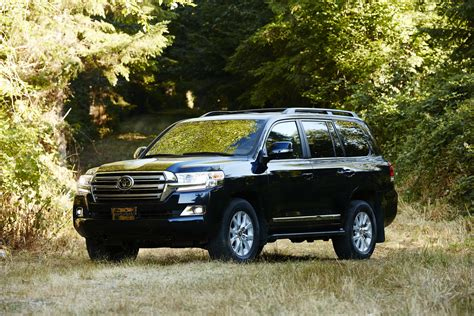 2019 toyota land cruiser 2019 toyota land cruiser review ratings specs prices