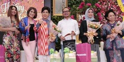 Wanita Hamil 18 Minggu Talkshow Beautifying Indonesia With Grooming Diramaikan